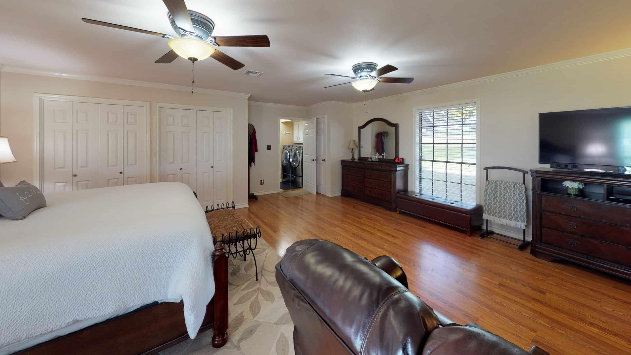 9645-FM-1726-Goliad-TX-77963-Bedroom(1)