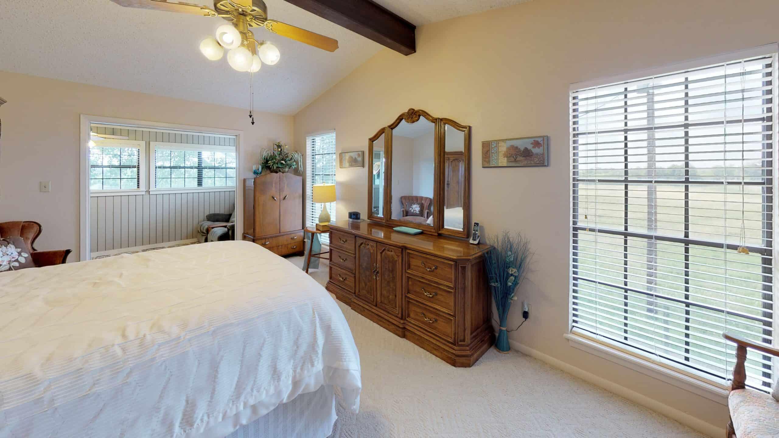 9645-FM-1726-Goliad-TX-77963-Bedroom(2)