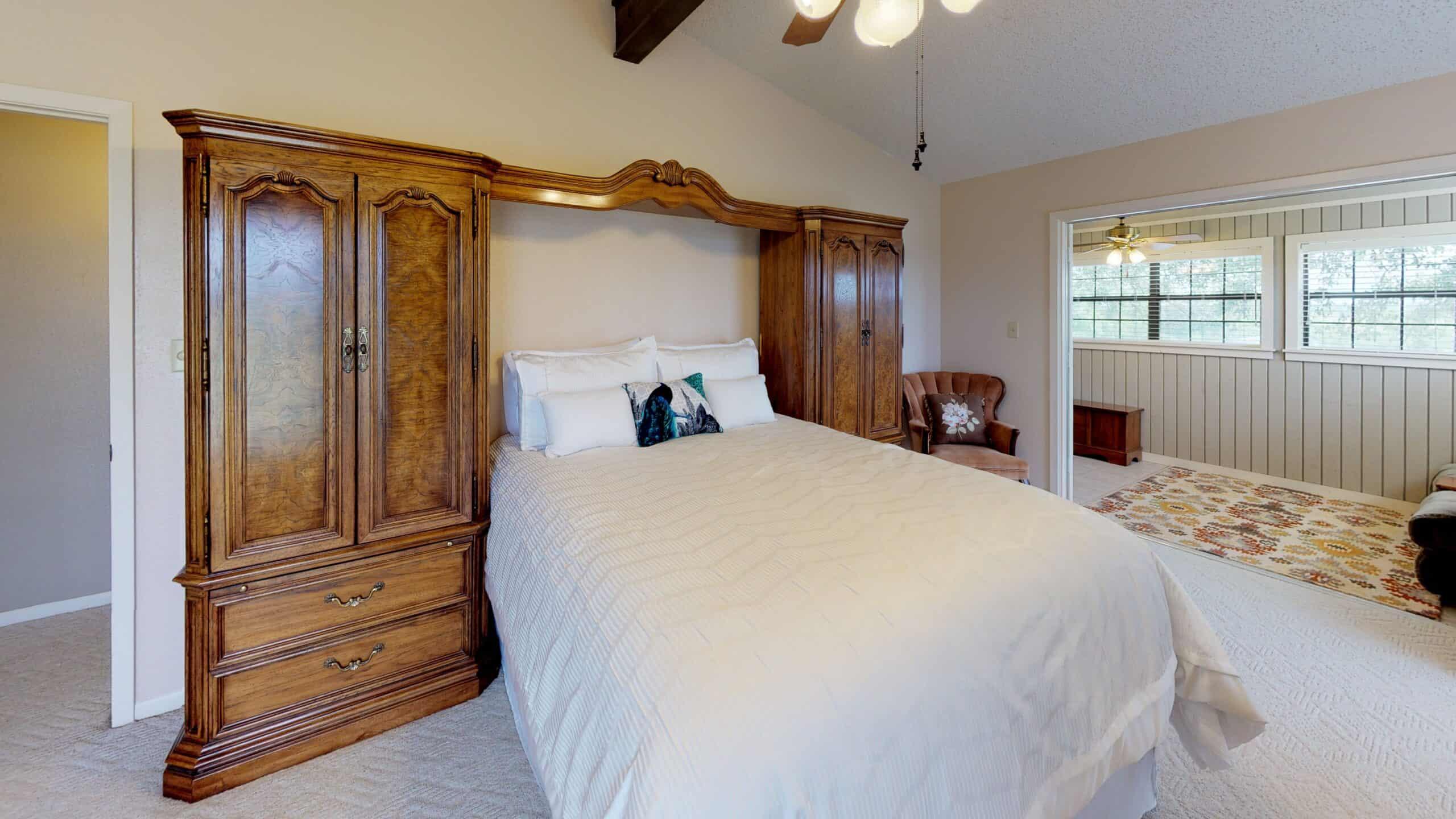 9645-FM-1726-Goliad-TX-77963-Bedroom(3)