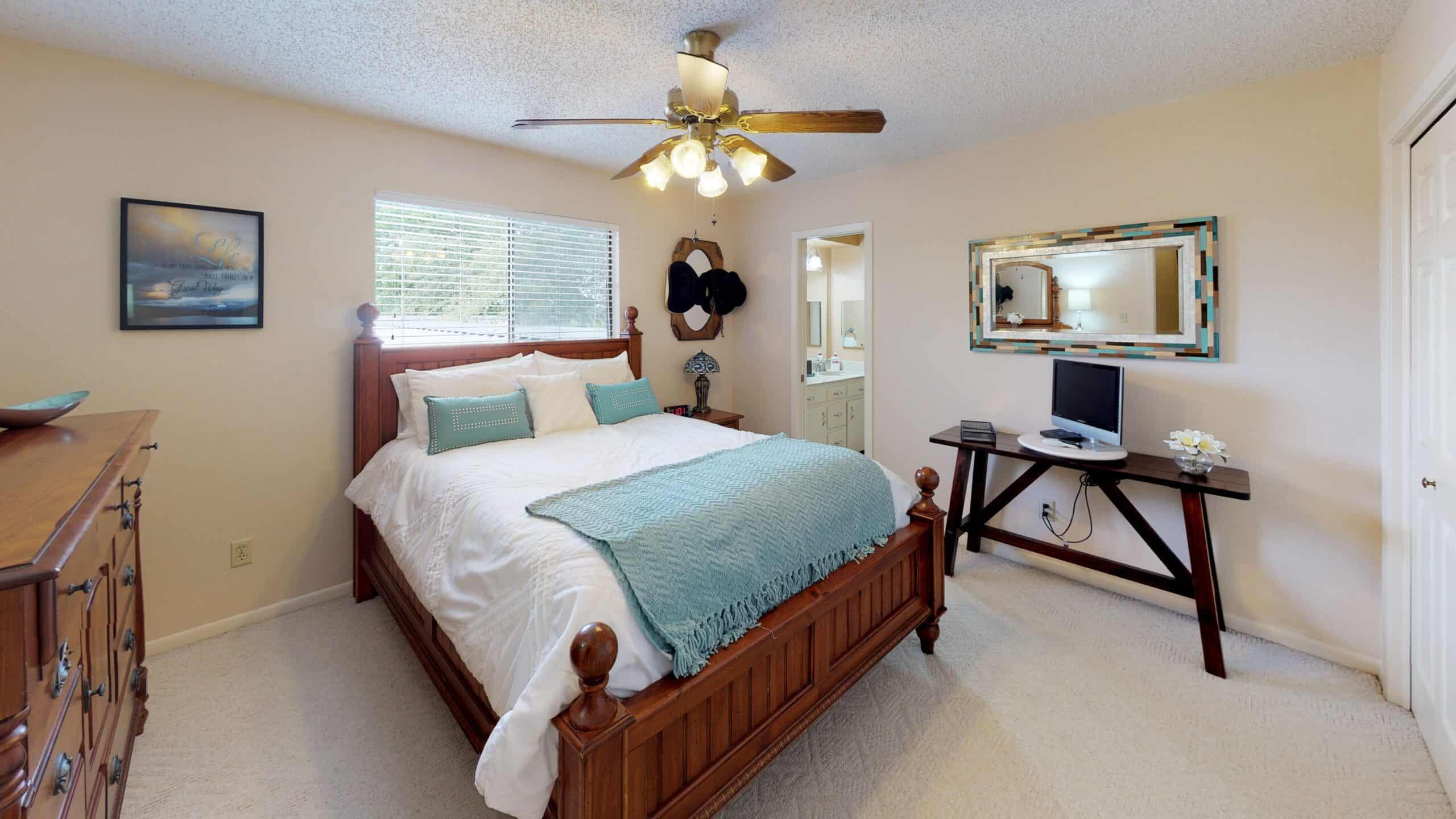 9645-FM-1726-Goliad-TX-77963-Bedroom(4)