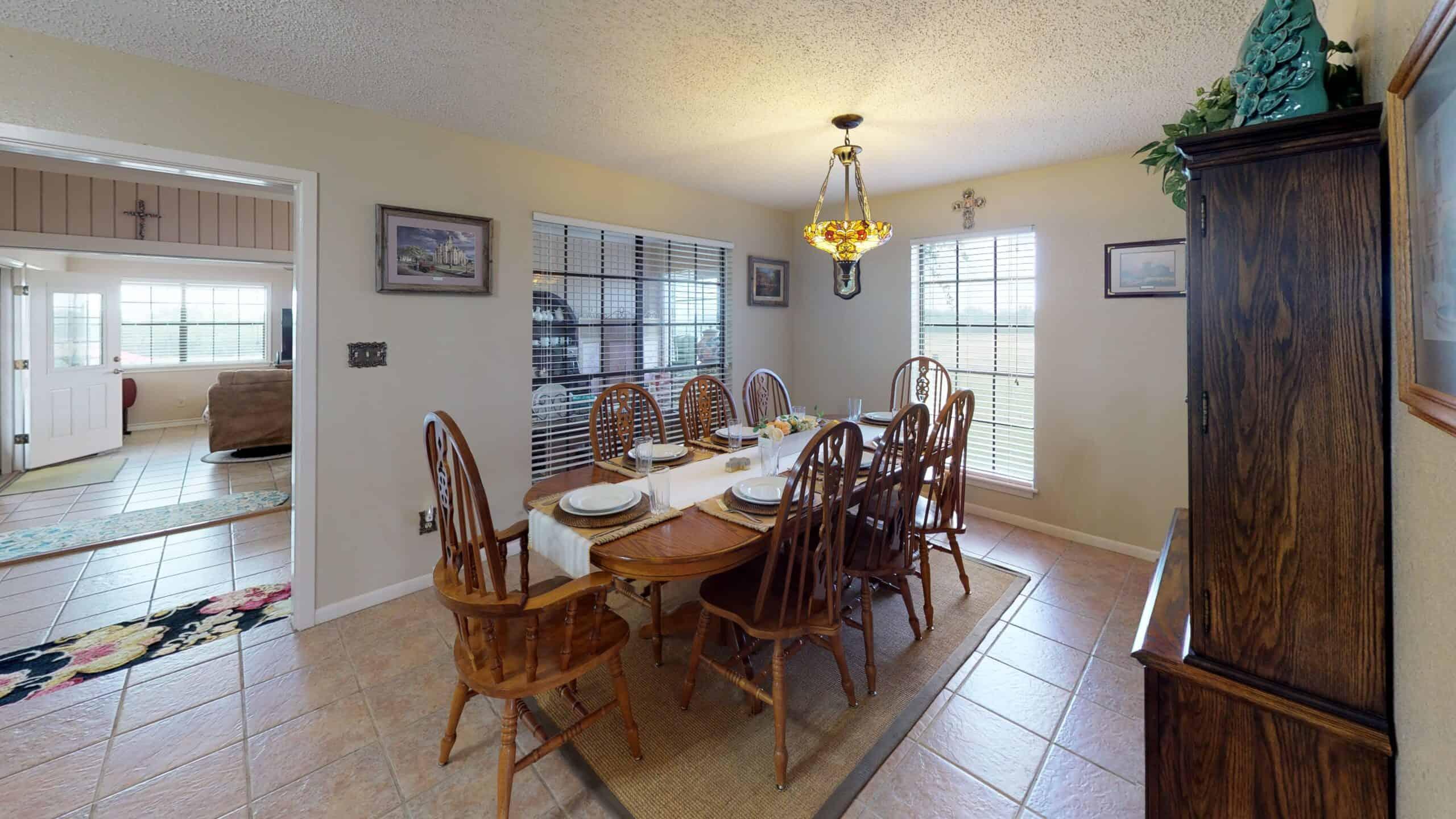 9645-FM-1726-Goliad-TX-77963-Dining-Room
