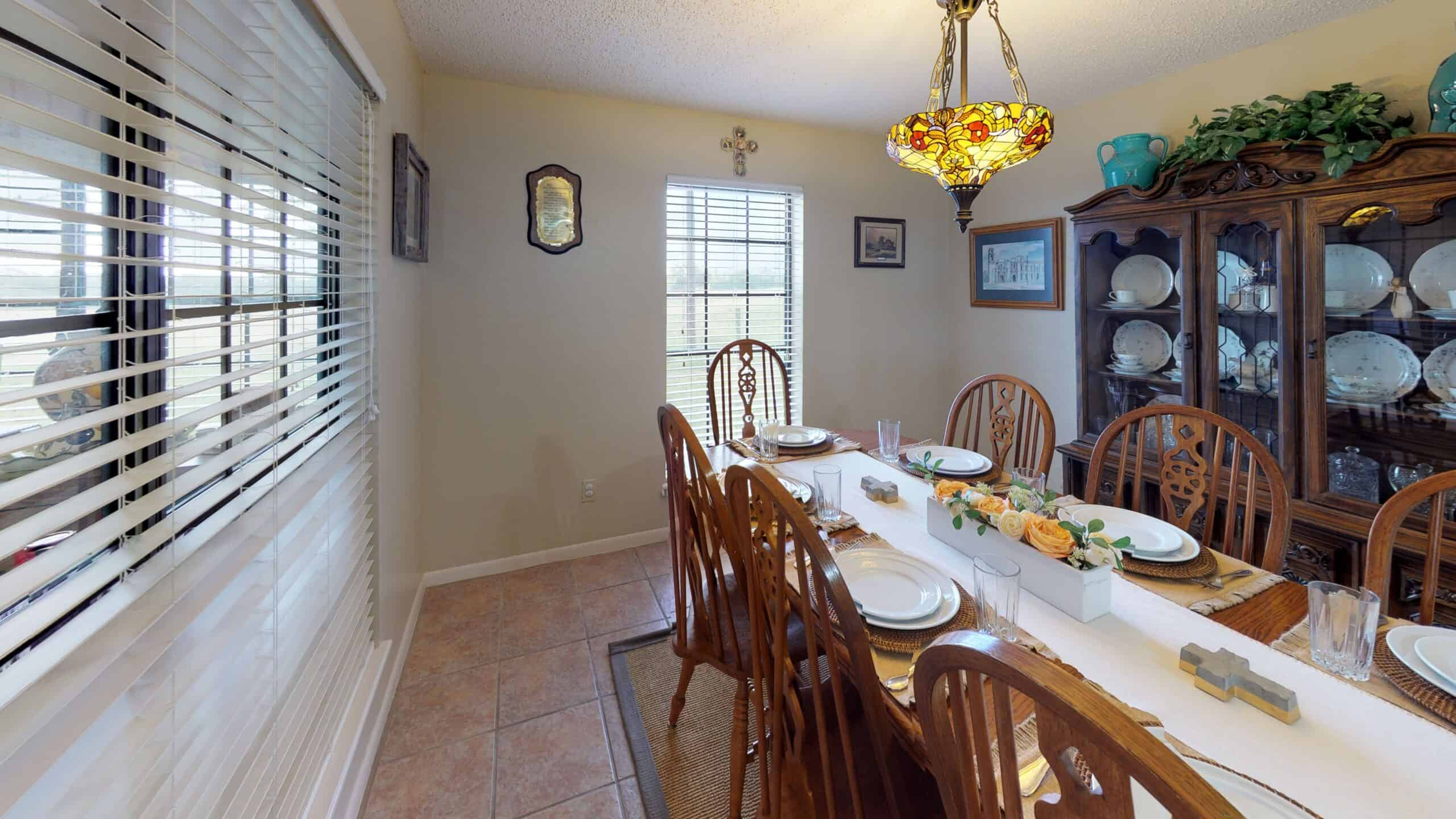 9645-FM-1726-Goliad-TX-77963-Dining-Room(1)