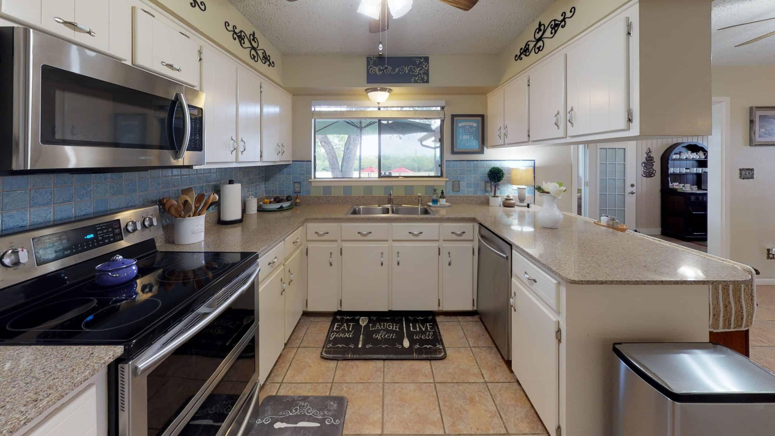 9645-FM-1726-Goliad-TX-77963-Kitchen