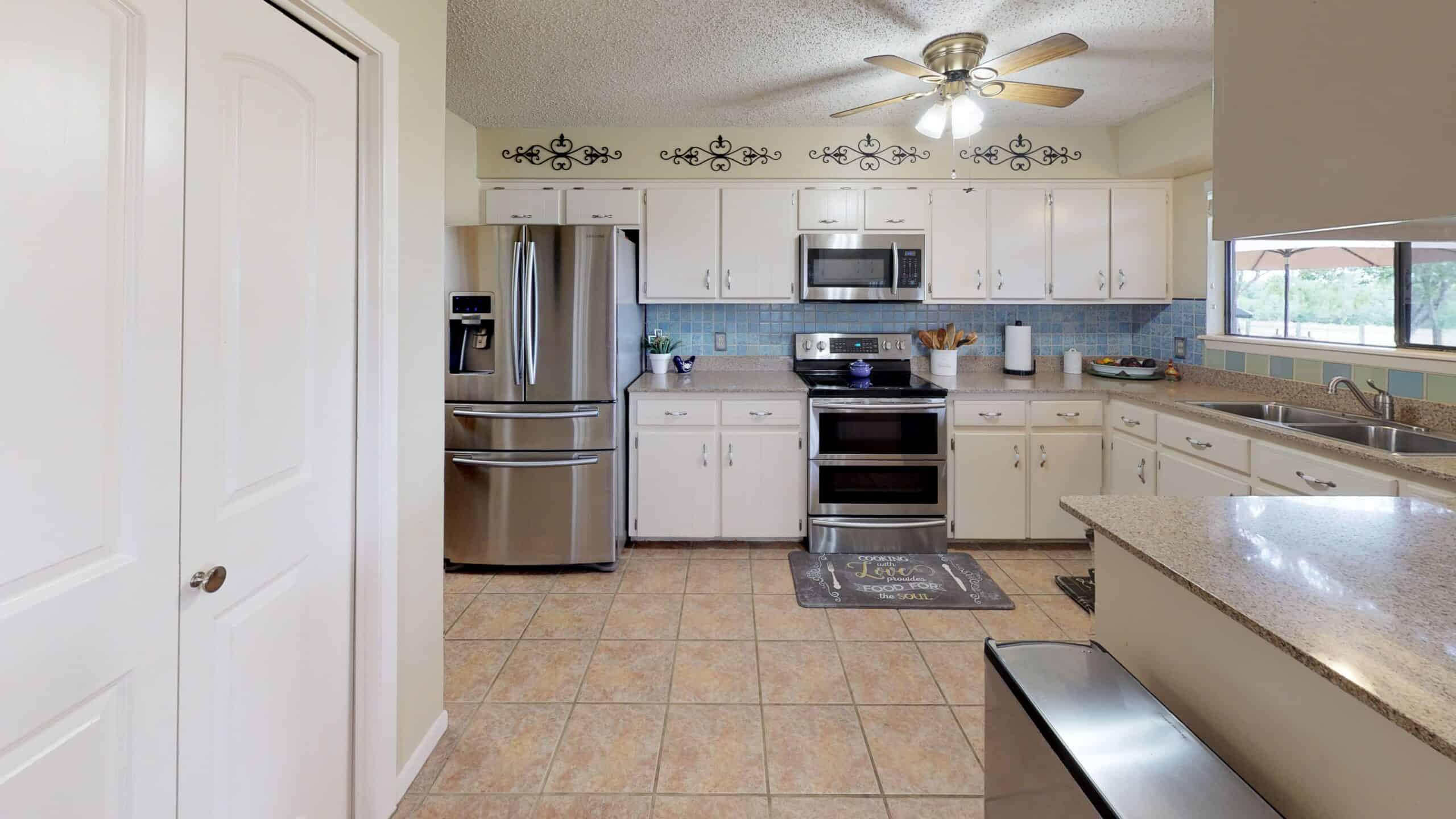 9645-FM-1726-Goliad-TX-77963-Kitchen(1)