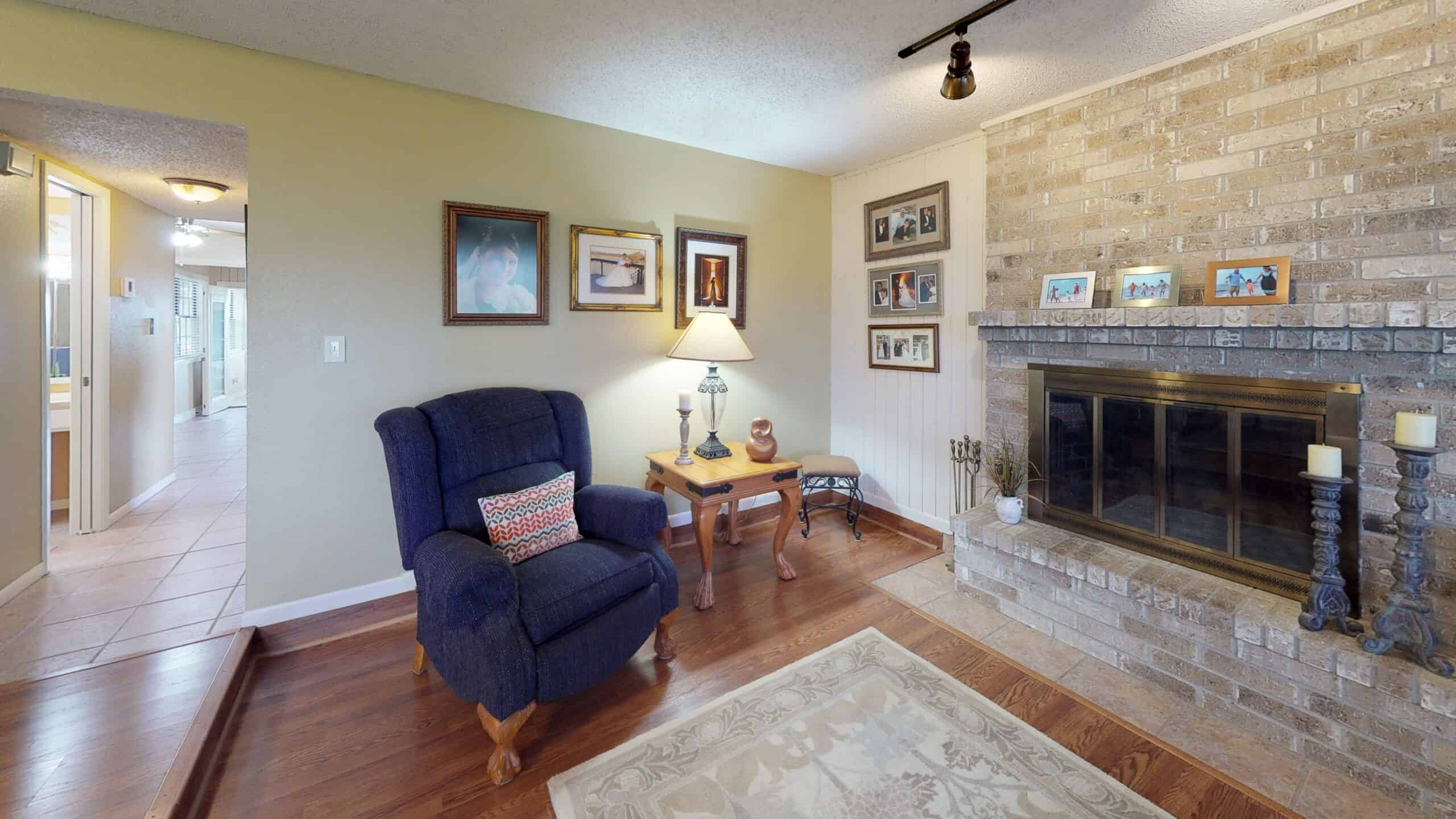 9645-FM-1726-Goliad-TX-77963-Living-Room(1)