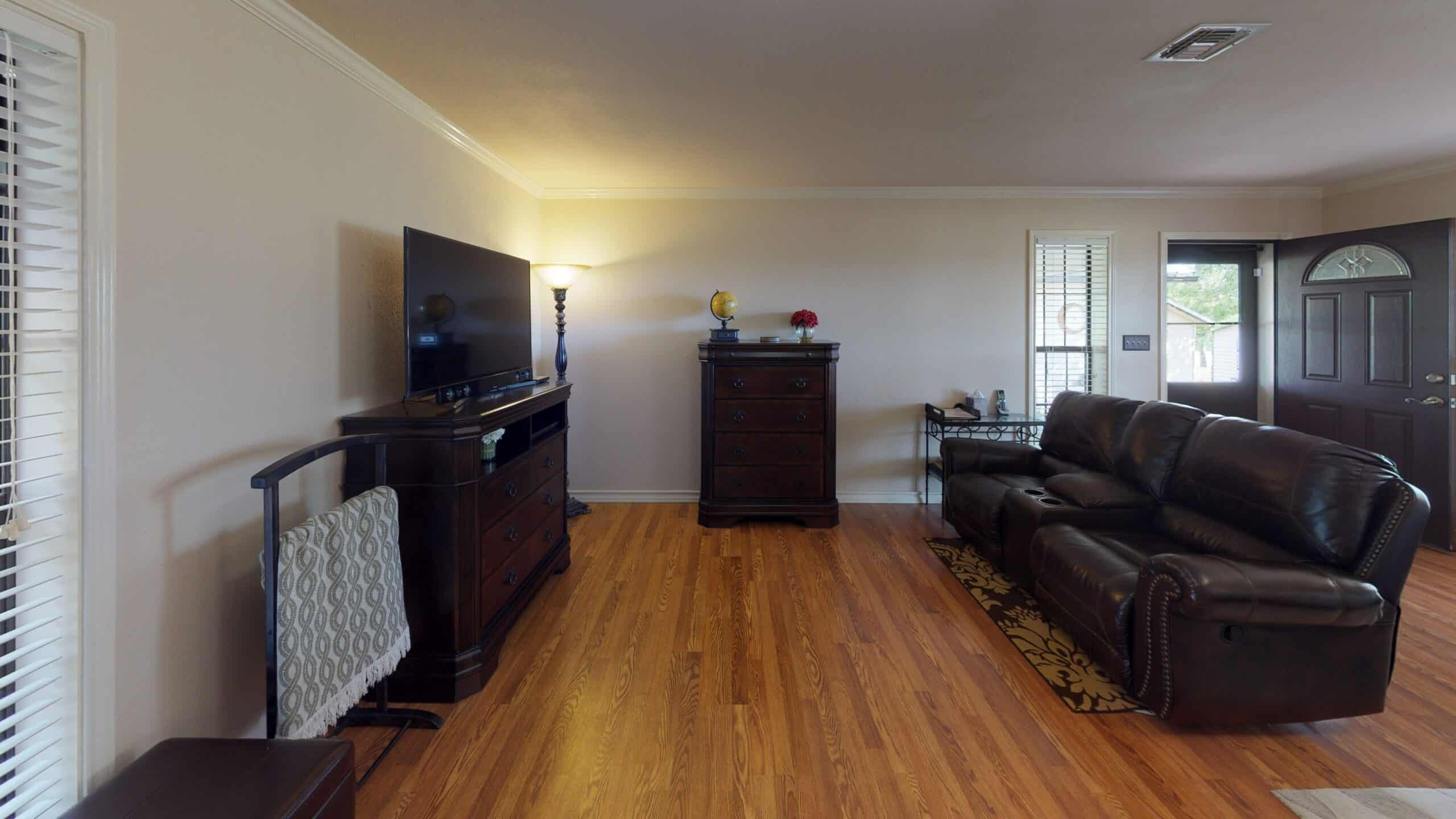 9645-FM-1726-Goliad-TX-77963-Living-Room(2)