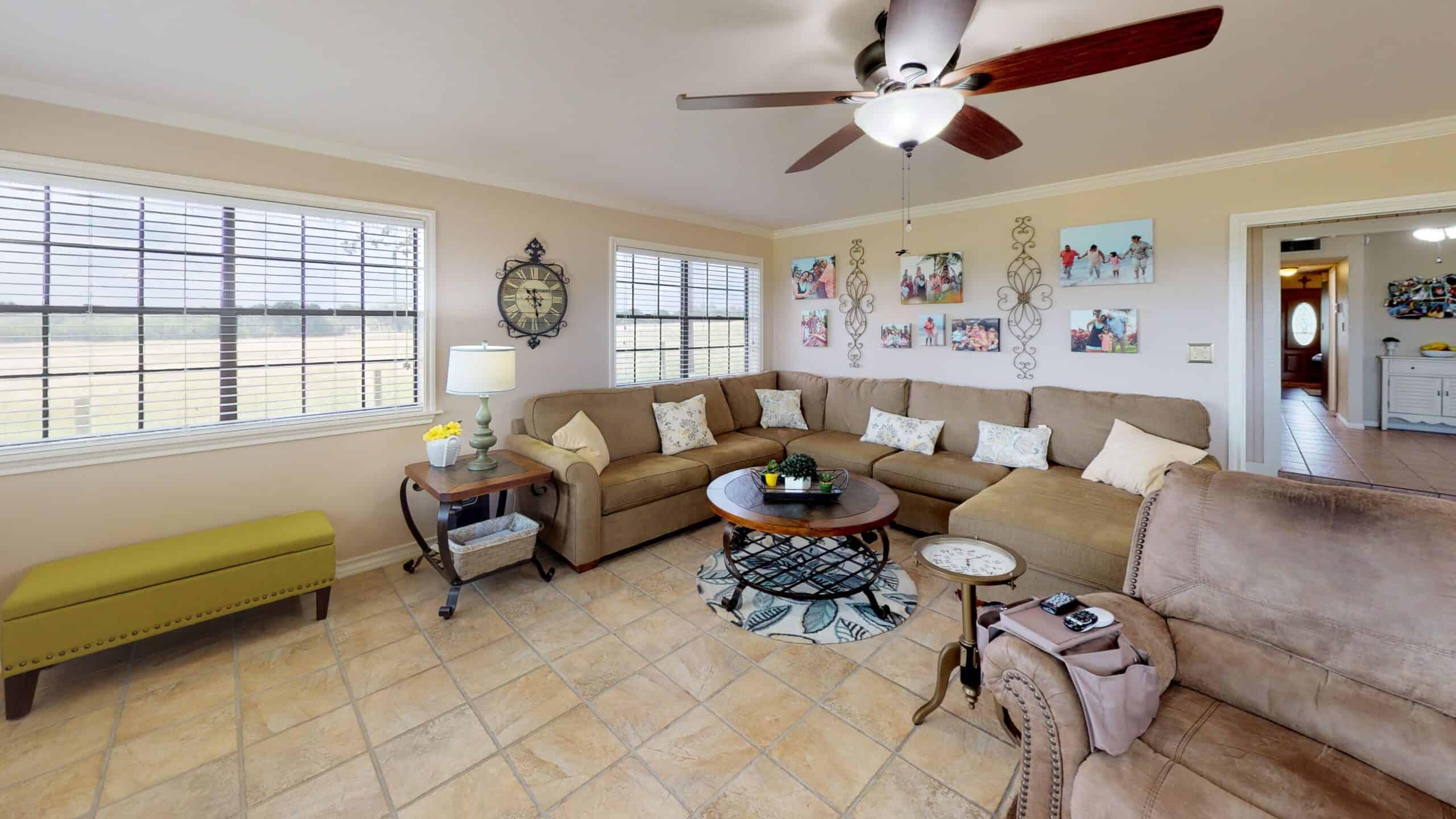 9645-FM-1726-Goliad-TX-77963-Living-Room(3)